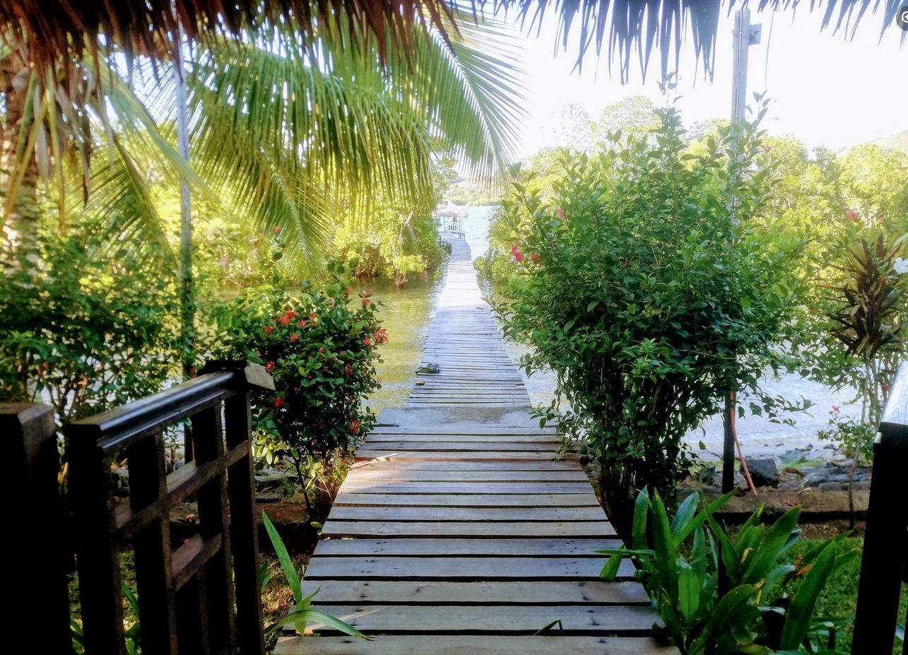 Maison de vacances de propriétaire pour location à Nost Be, bordure mangrove