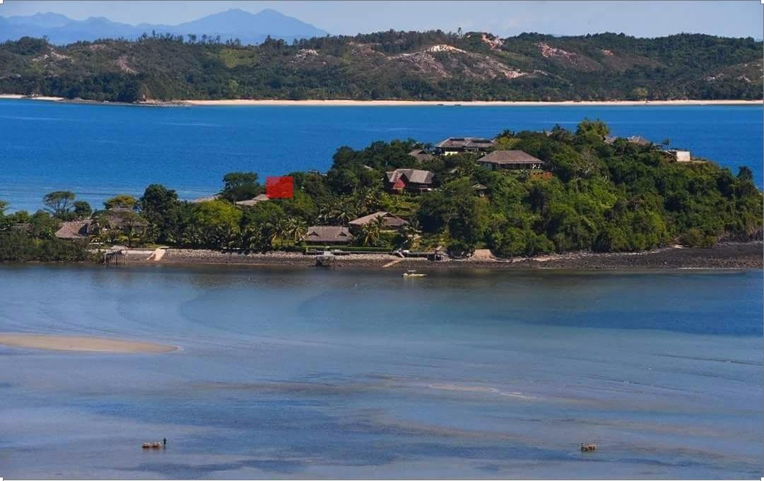Location grande maison dans domaine privé, face à Sakatia, plage de sable et barrière de corail