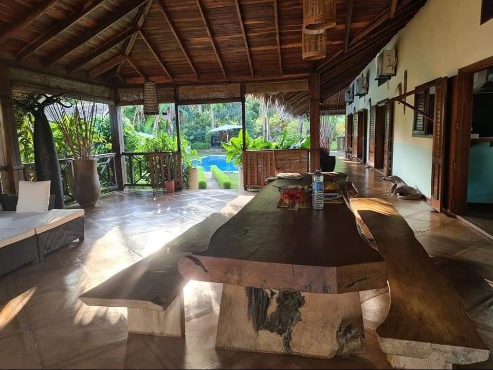 Location Nosy Be, grande maison de vacance avec piscine